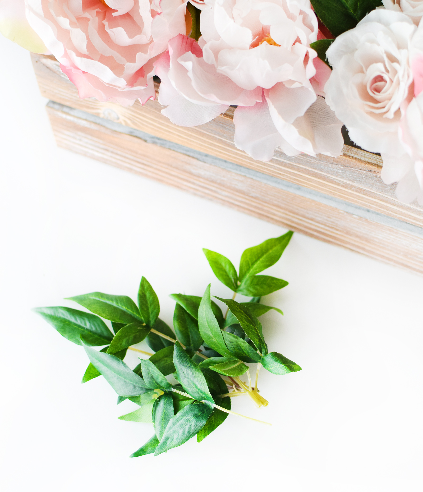 DIY Easy Bridal Shower Floral Centerpiece