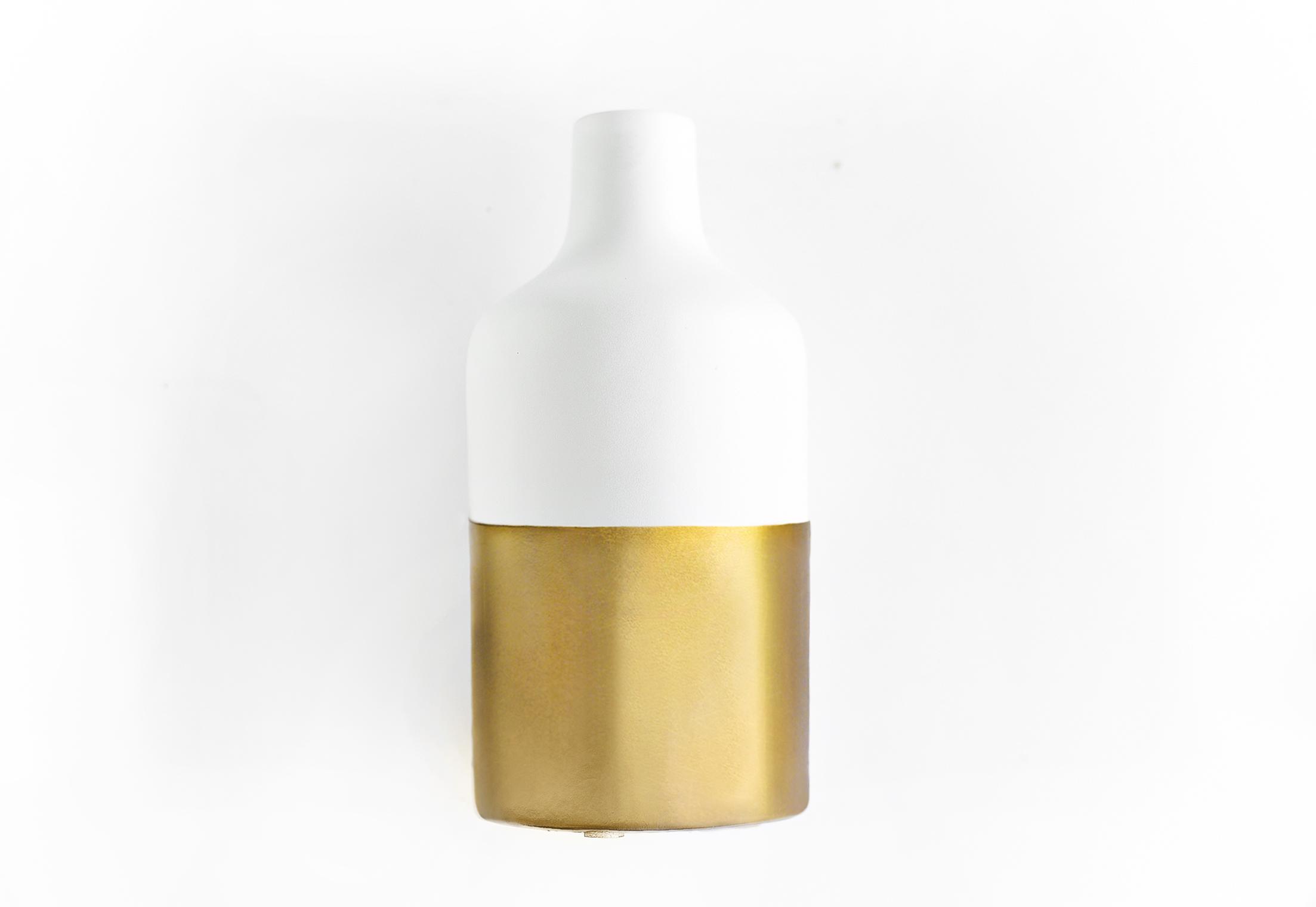 DIY Gold-Dipped Bouquet Vase