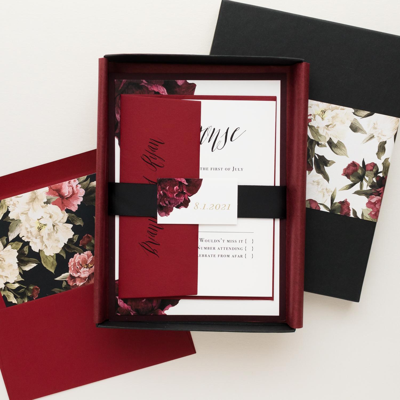 Innovative Wedding Invitations: Modern Burgundy Wedding Invitations